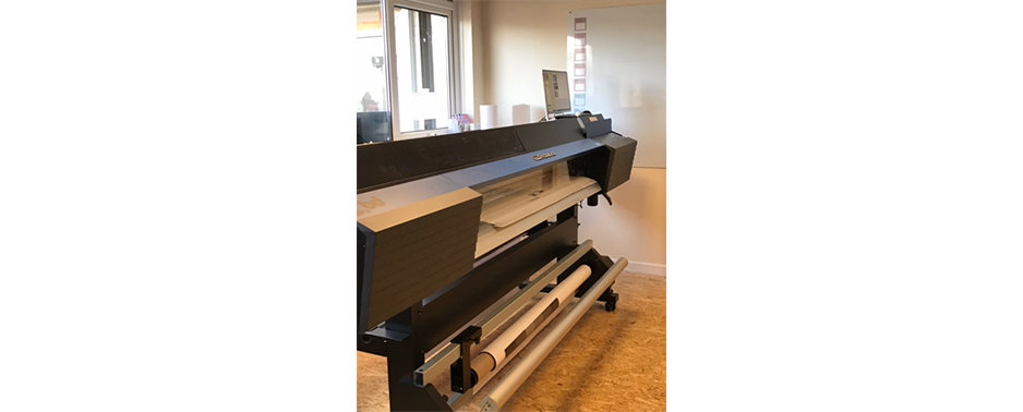 Bow Design upgraded their VersaCAMM SP-540 to a TrueVIS VG-640 wide format inkjet printer cutter