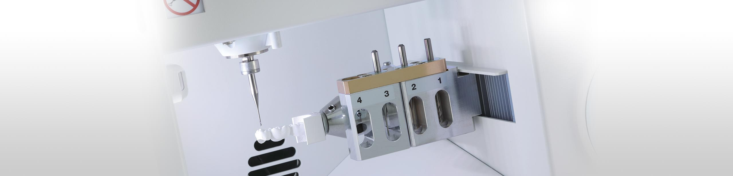 DWX-4 user-friendly desktop compact dental milling system